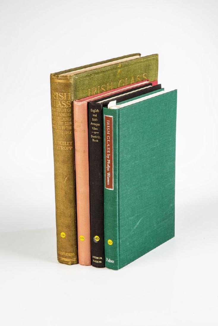 Vier Fachbücher über englisches und irisches Glass