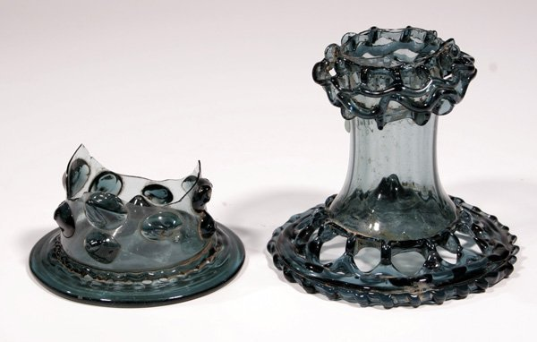 8: 2 Fuesse v. Stangenglaesern 2 feet glass beakers