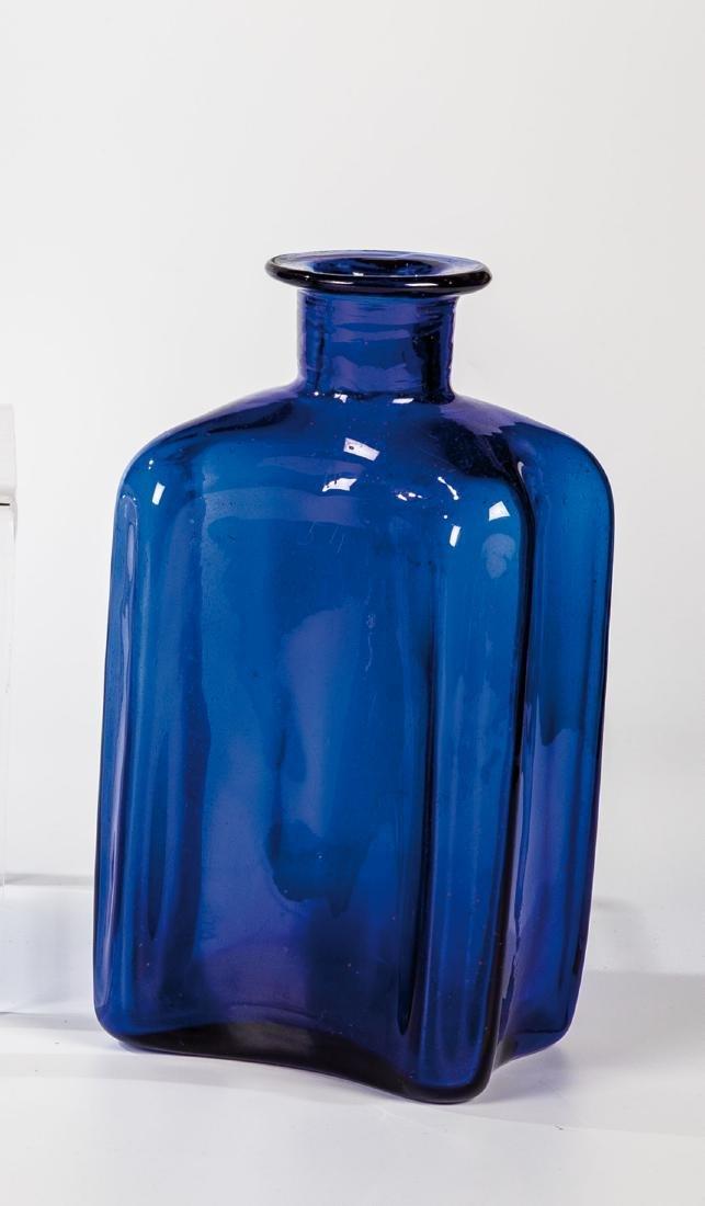 Apothekenflasche aus kobaltblauem Glas