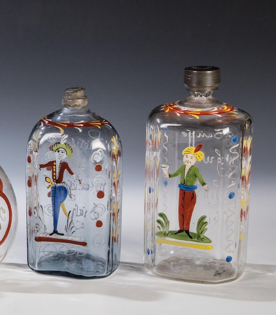 Zwei Flaschen mit Osmanen