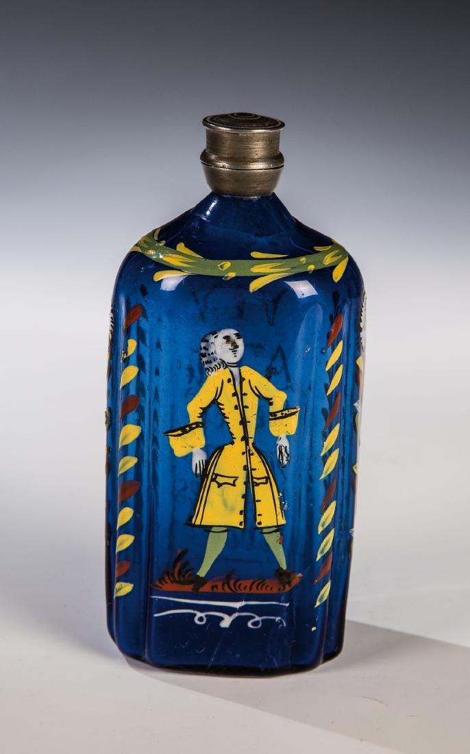Schnapsflasche aus kobaltblauem Glas