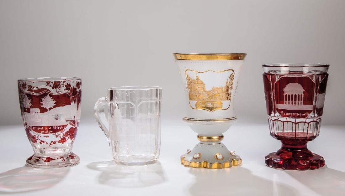 Vier Gläser mit Ansichten von Marienbad,