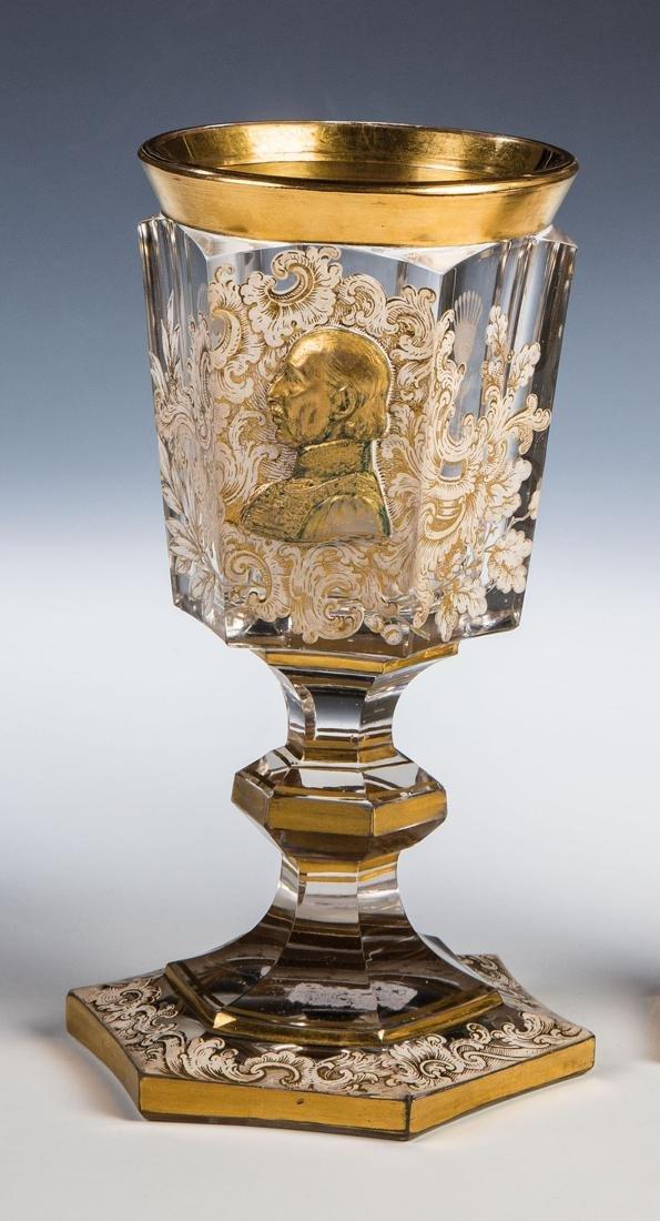 Pokal mit Reliefbildnis eines Grafen