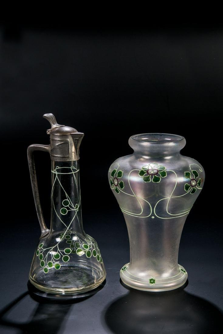 Vase und Karaffe