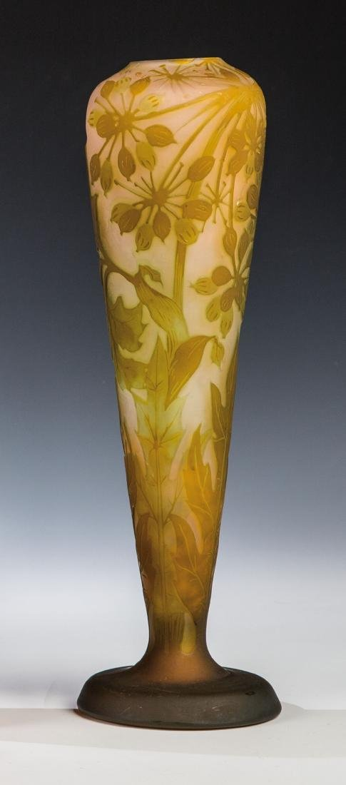 Vase mit Bärenklau