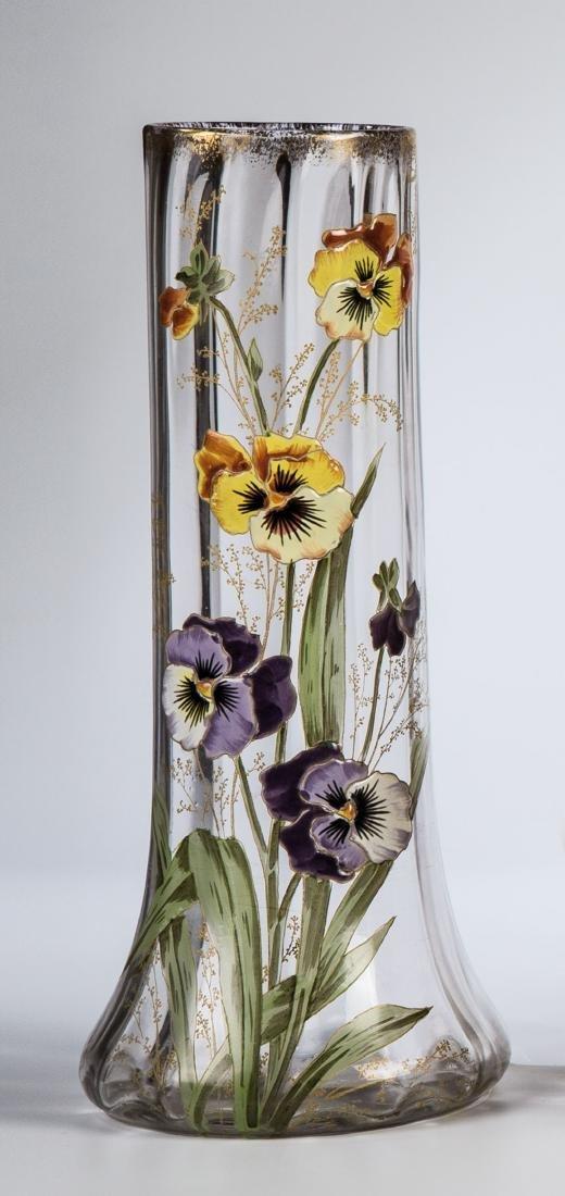 Vase mit Stiefmütterchen