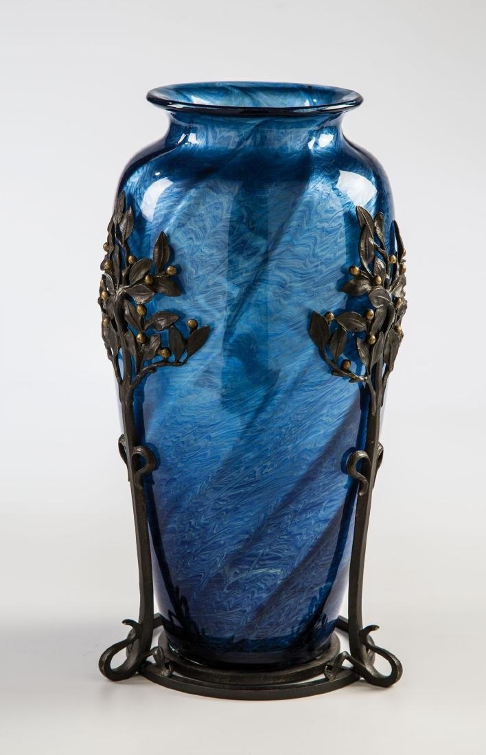 Vase ''Melusin schief gedreht'' mit Metallfassung