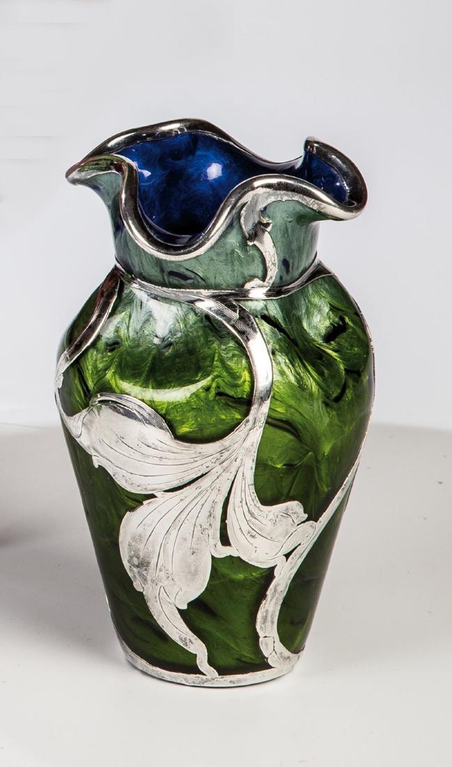 Väschen ''Titania dunkelblau mit Maigrün''