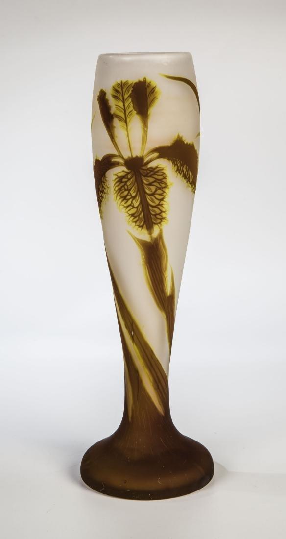 Seltene Vase mit Schwertlilie (Iris)