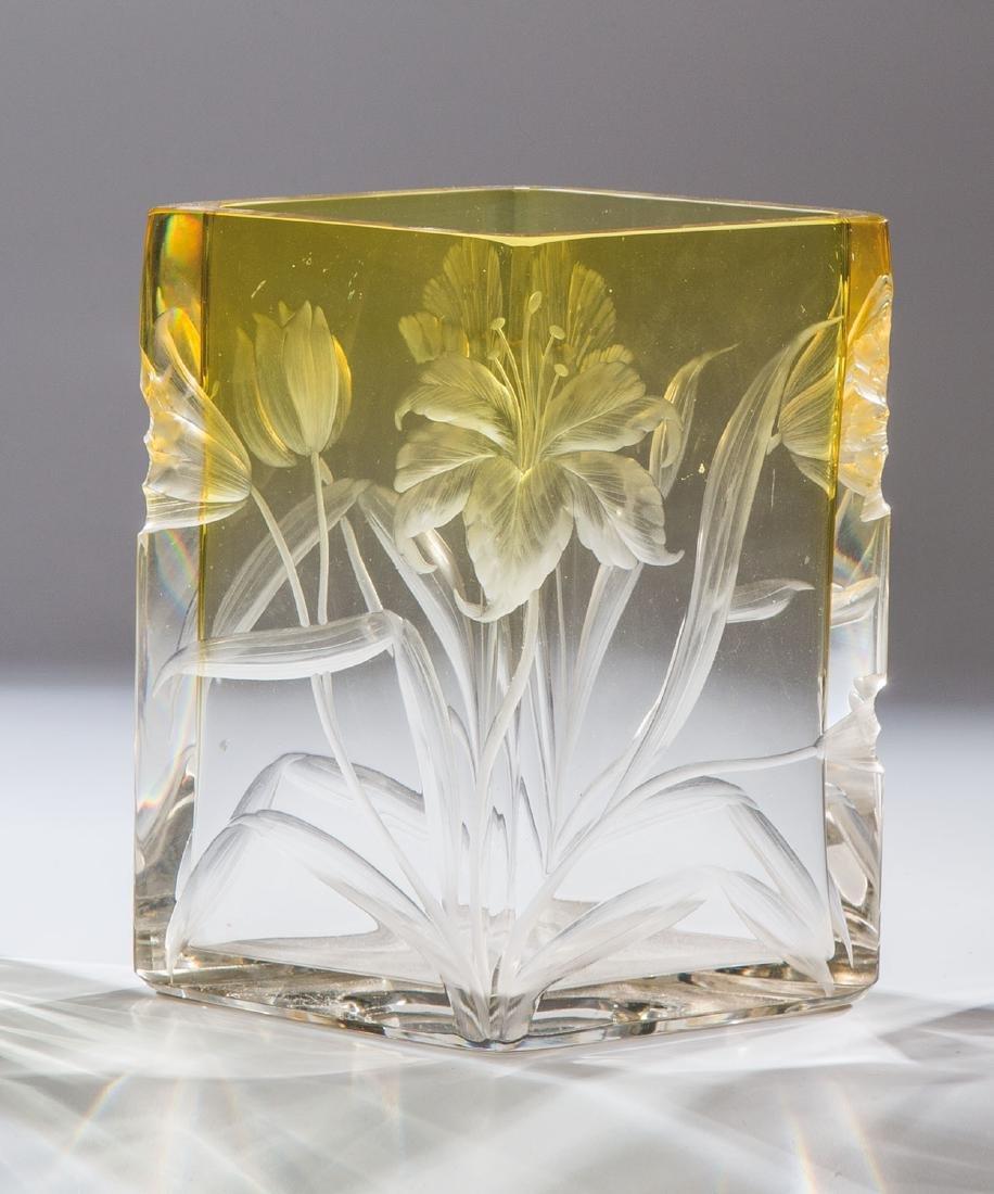 Vierkantvase mit Tulpen