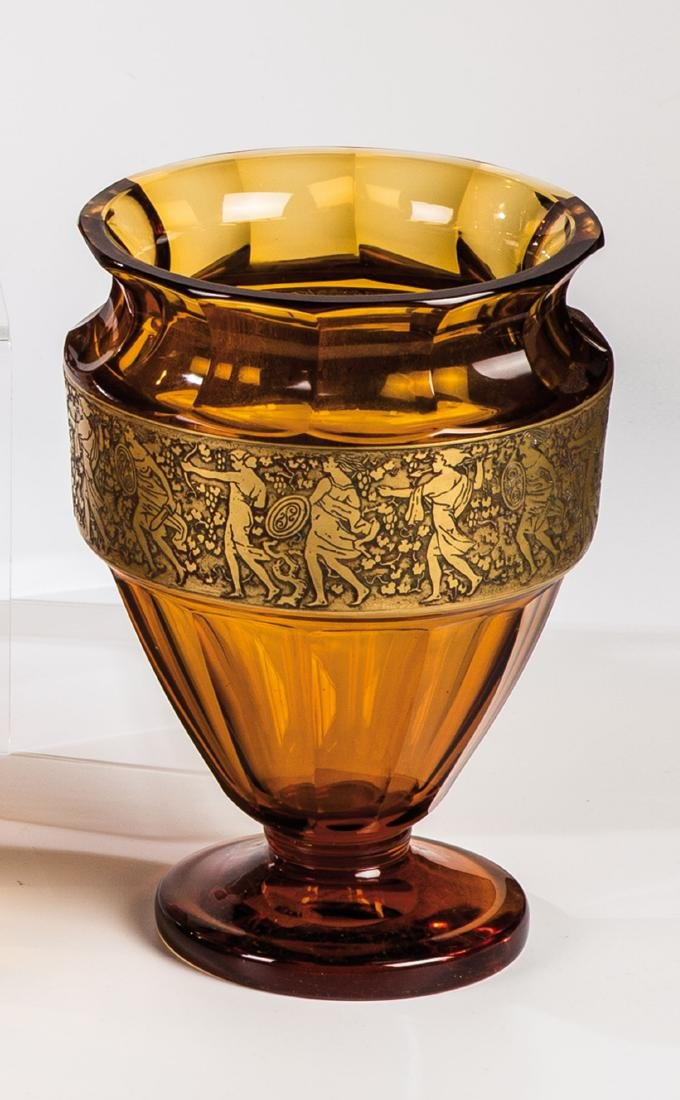 Vase mit Amazonen