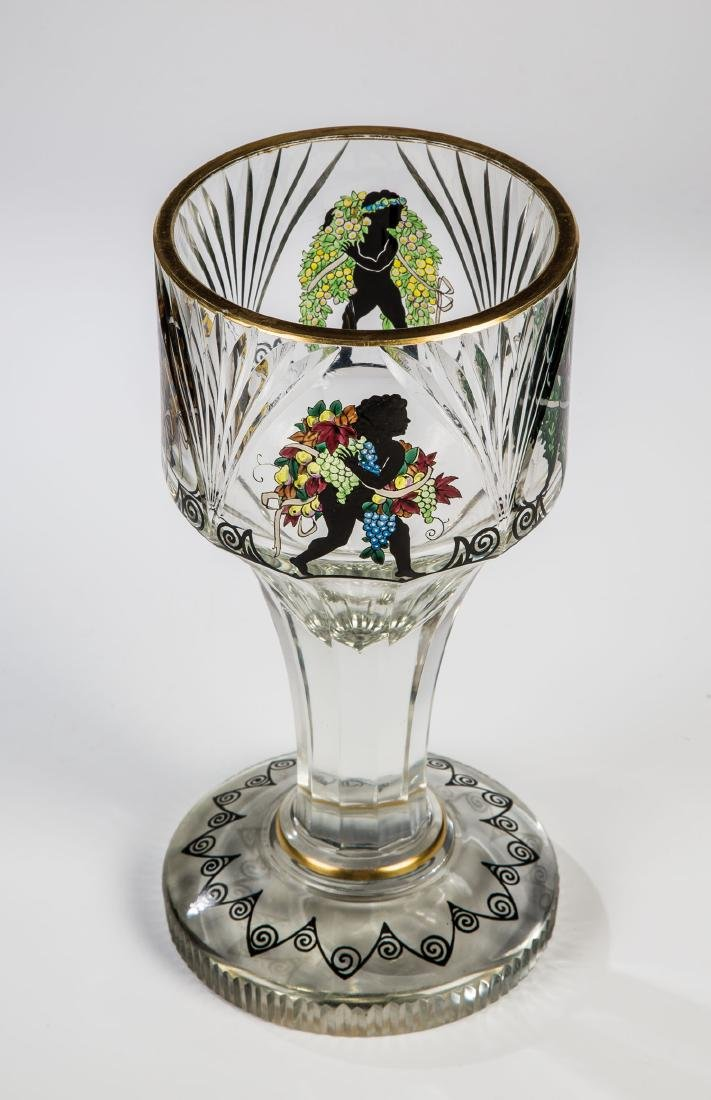 Großer Pokal mit den Jahreszeiten