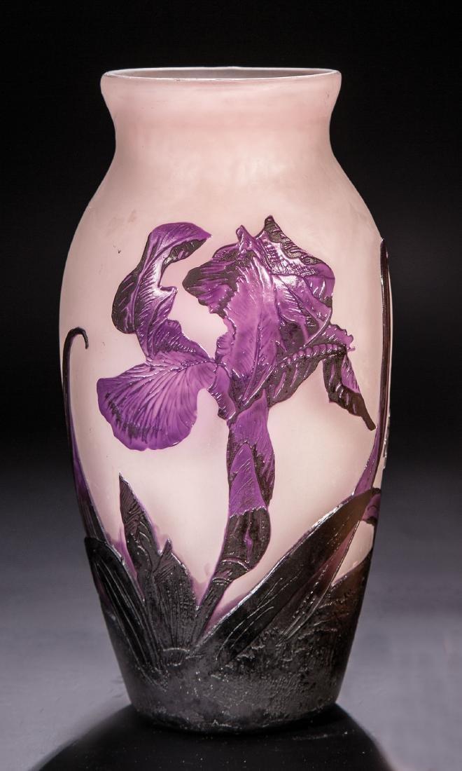 Vase mit Schwertlilie (Iris)