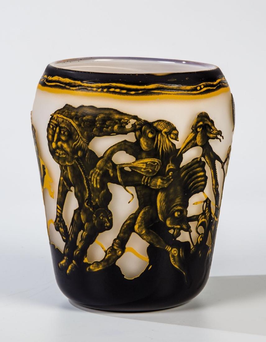 Vase mit Groteskendarstellungen