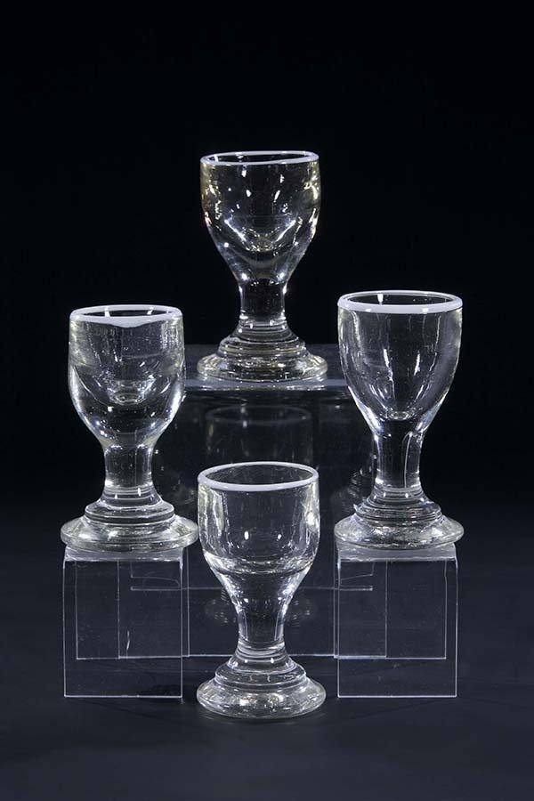 19: 4 Schnapsglaeser Deutsch Liquor Glass German old