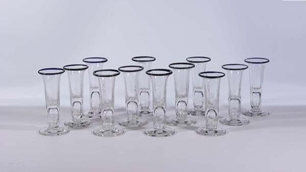24: 12 Kutscherglaeser Blaurand liquor glasses German