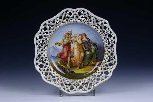 26: Teller Meissen Porcelain Plate three graces Old