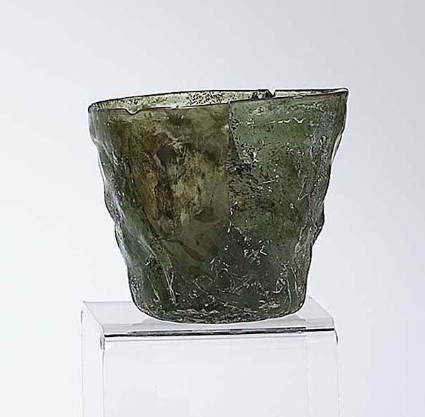 6: Becher Bodenfund German Glass Beaker Attic Find