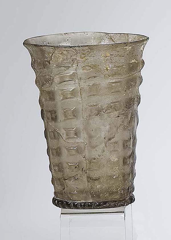 7: Becher Bodenfund German Glass Beaker Attic Find