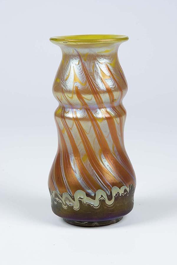 582: Vase Opal Phaenomen Gre 358 Loetz Glass Deco