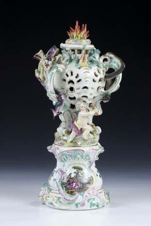1: Vase Meissen Fire Elements Porcellain vintage