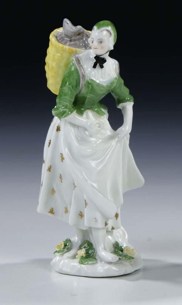 9: Baeuerin Meissen Porcelain Figurine farmer Vintage