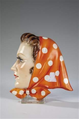 Wandmaske Mdchen mit Kopftuch