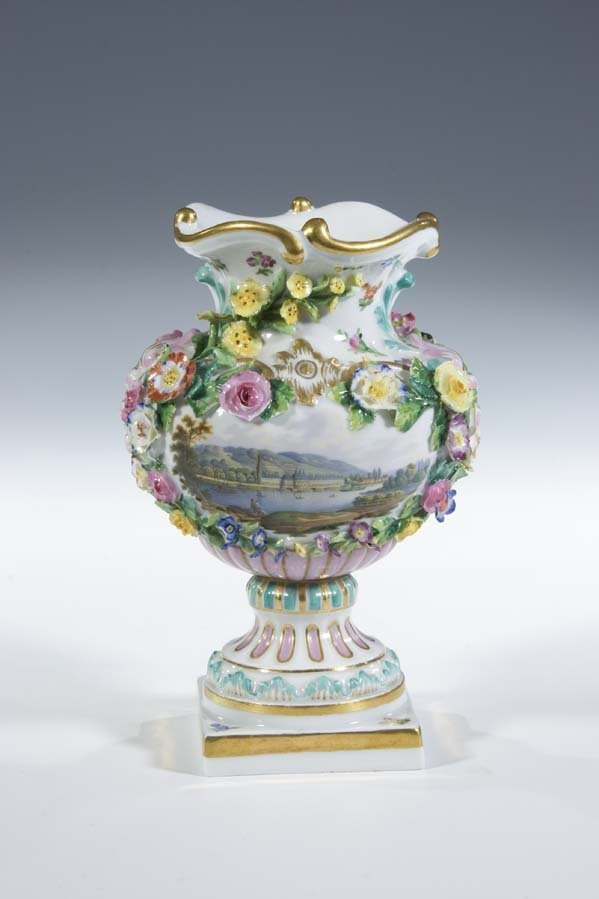 15:  Vase Meissen Porzellan Porcelain Pilnitz Castle