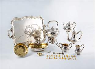 Großes, prunkvolles Silber-Service