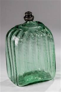 Rechteckflasche mit Zinnschraubverschluss