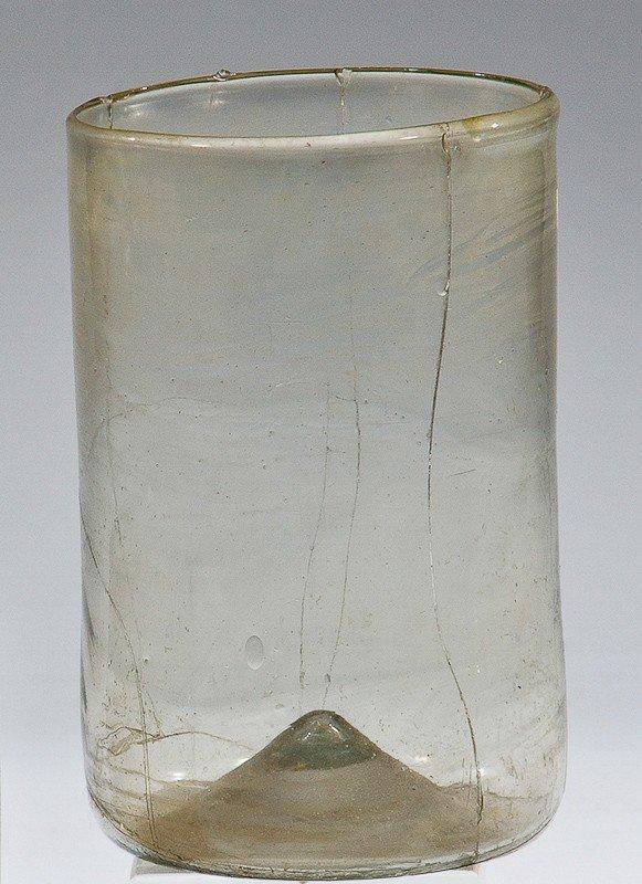 4: Zylinderbecher Facon de Venise, 16. / 17. Jh. Bodenf