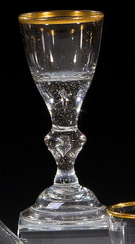 20: Kelchglas mit Goldrand und Löwenmarke Lauenstein, u