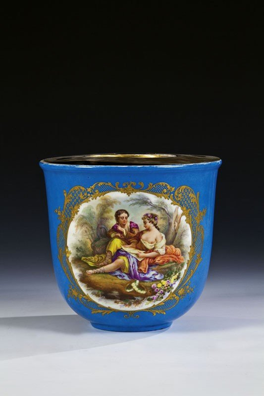 3: A porcelain cachepot. The cylindrical body decorated