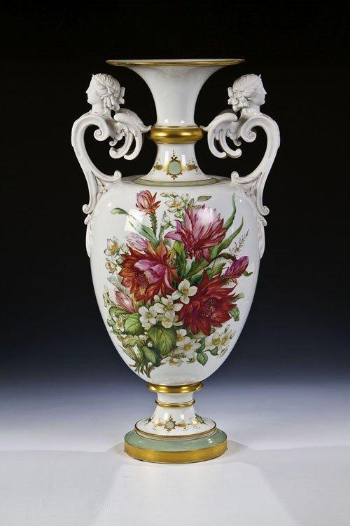 5: Große Balustervase mit Blumenmalerei