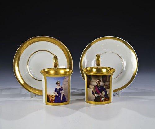 7: Paar Porträttassen mit Untertassen ''Königin Marie v