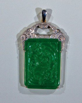 171: An Imperial jade pendant Circa 1915 - 1925 Beautif