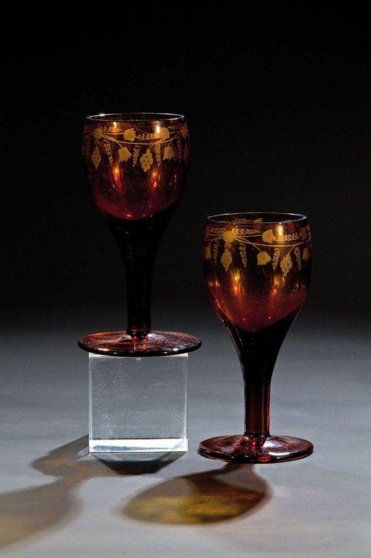 21: Paar Trinkgläser aus baunem Glas