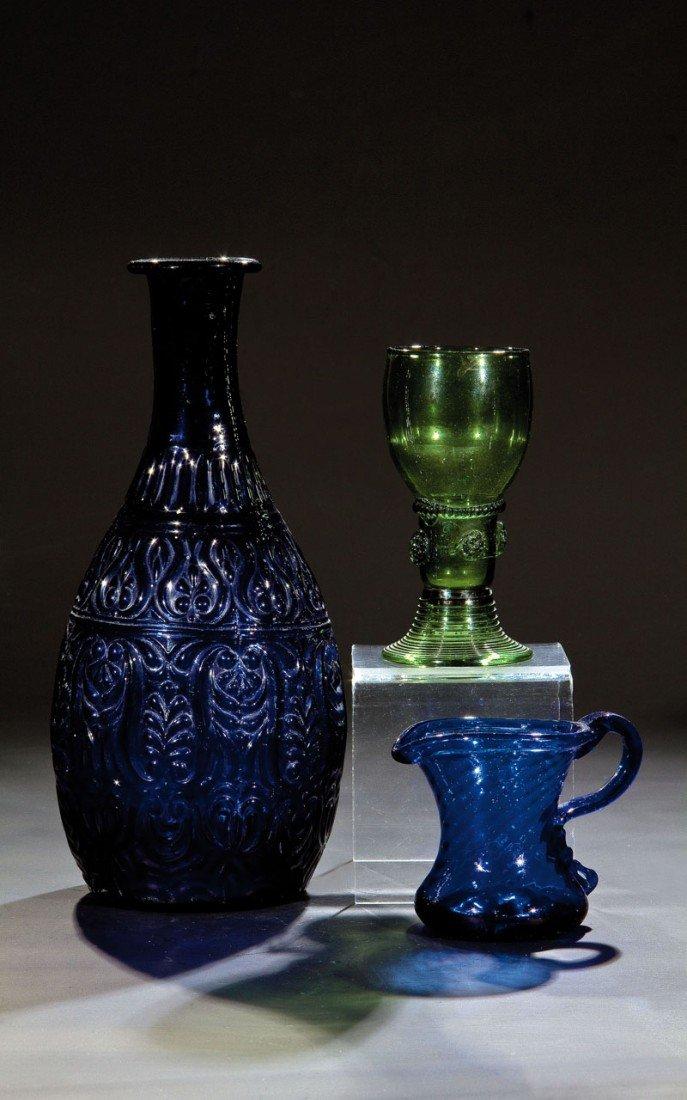 22: Flasche, Römer und Henkelkrug