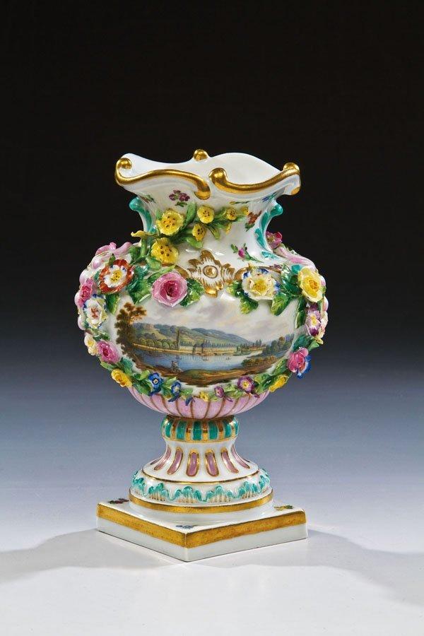 13: Vase mit Ansicht von Schloß Pillnitz