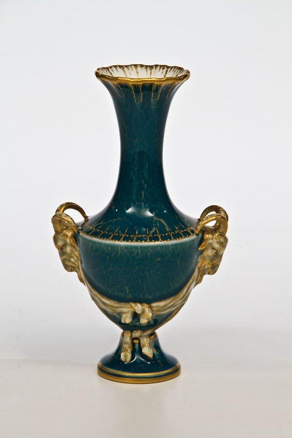 75: Vase mit Widderköpfen