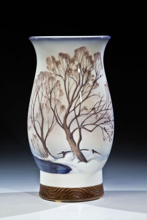 87: Vase mit Winterlandschaft