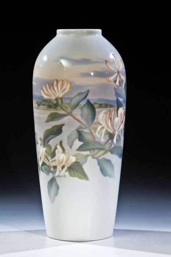 88: Vase mit Landschaft