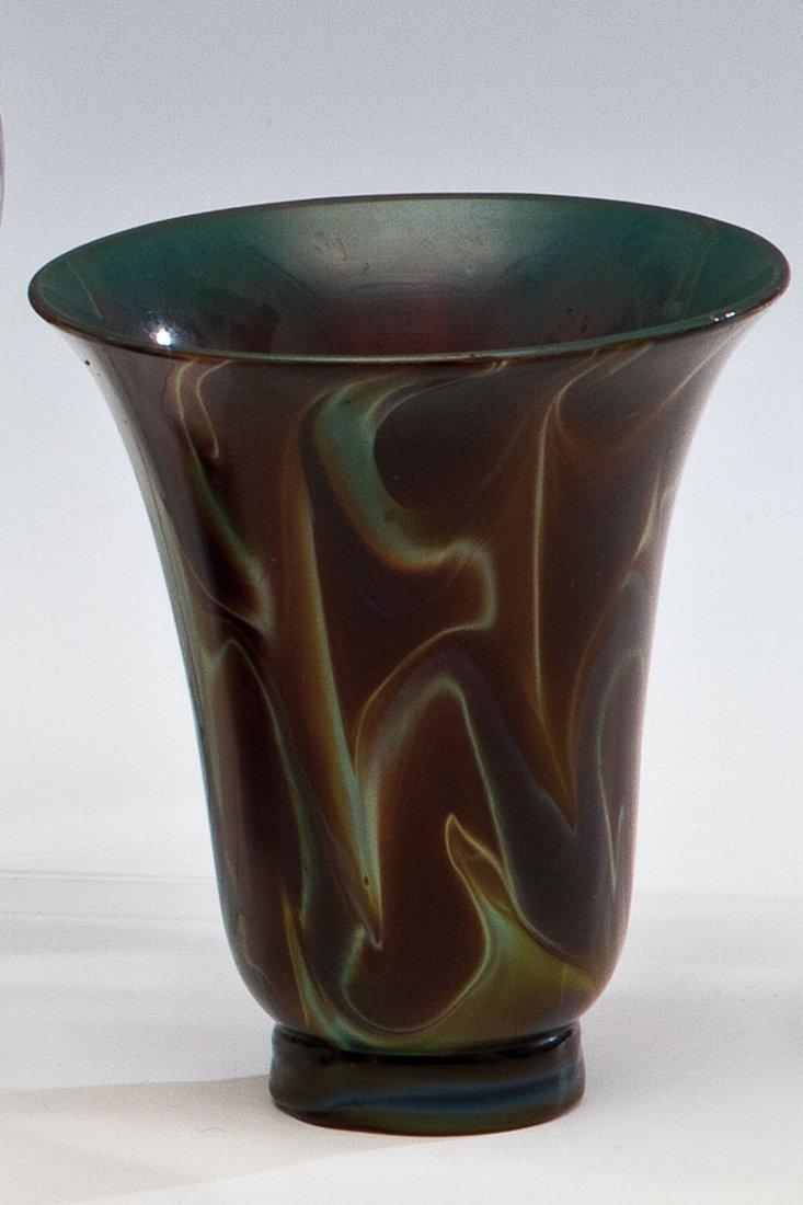 19: Hohes Koppchen aus Achatglas