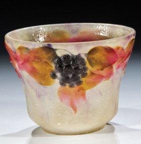 336: Vase mit Efeuranke