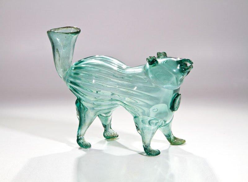 Schnapshund aus grünem Glas