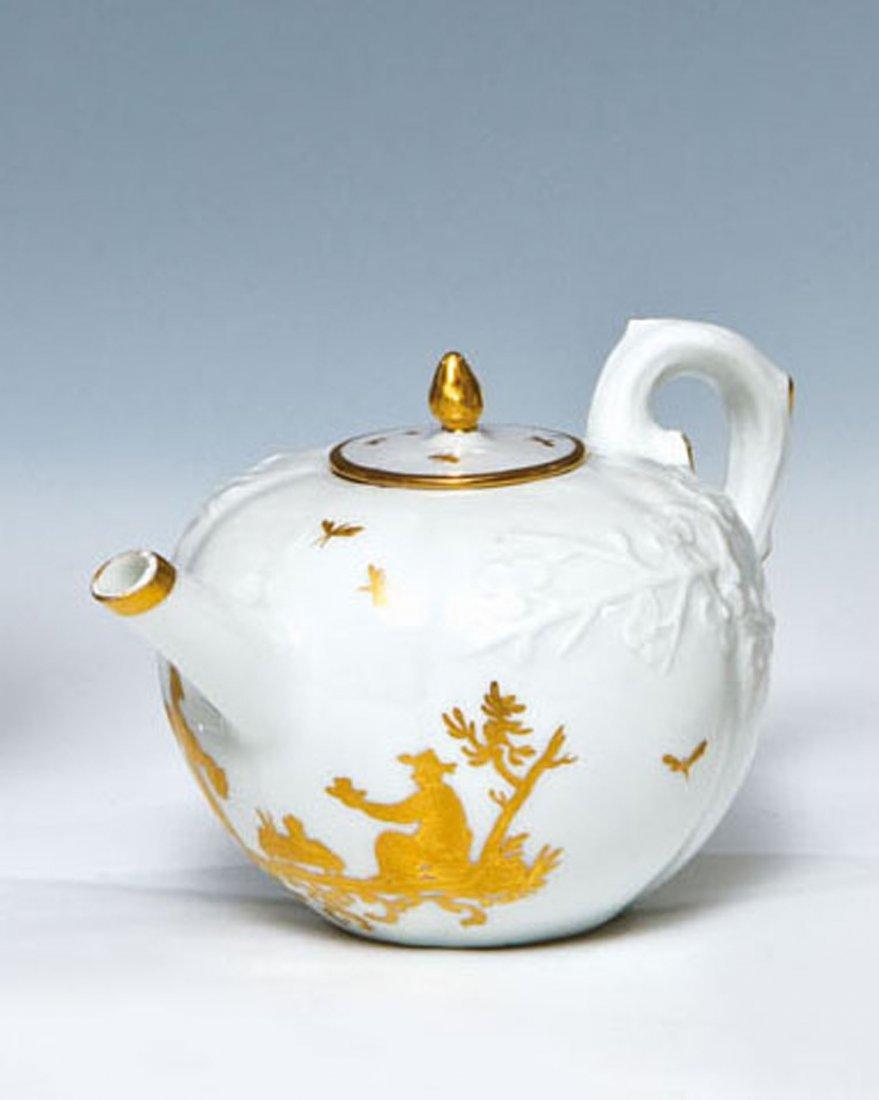 Teekännchen mit Chinoiserie