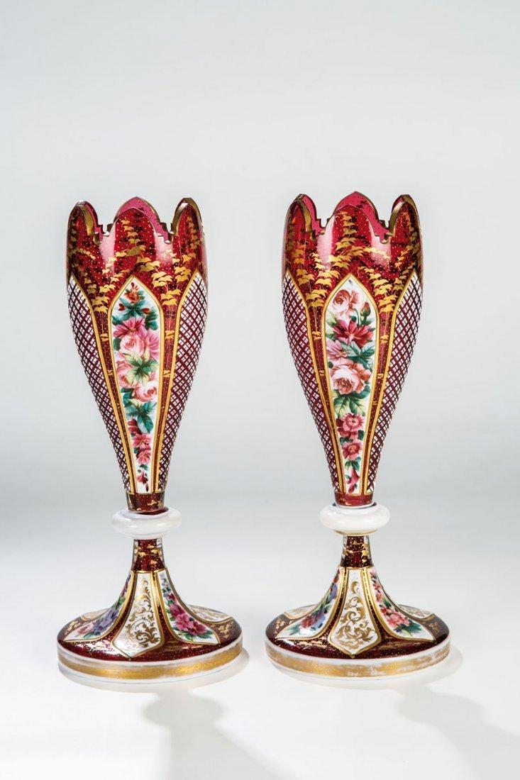 Vasenpaar mit Floraldekor