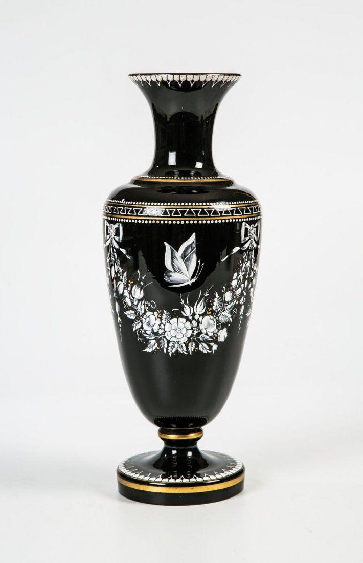 Vase mit Schneemalerei