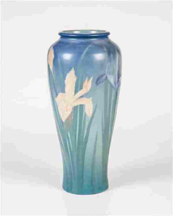 Seltene Vase mit Schwertlilie
