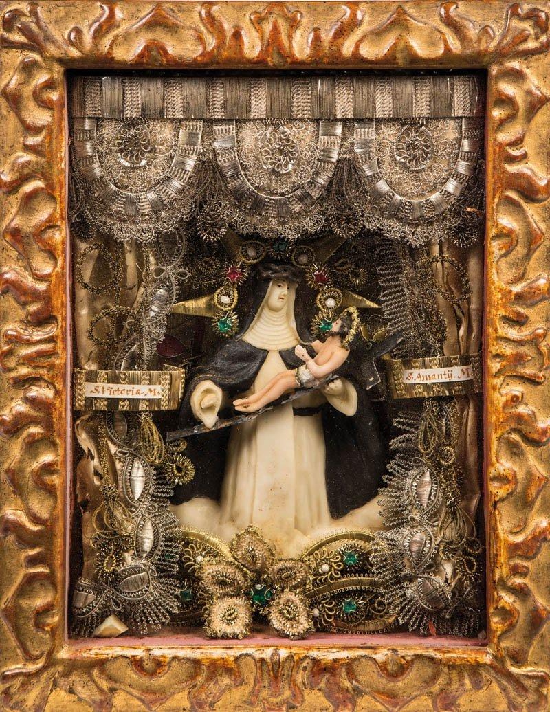 Klosterarbeit mit Wachsfigur der Hl. Theresia